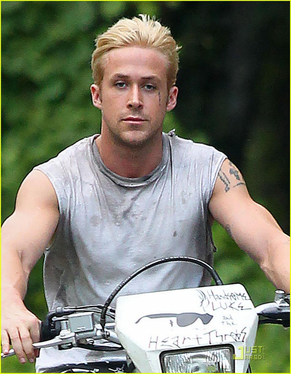 ryan gosling bleached blond hair 022564337