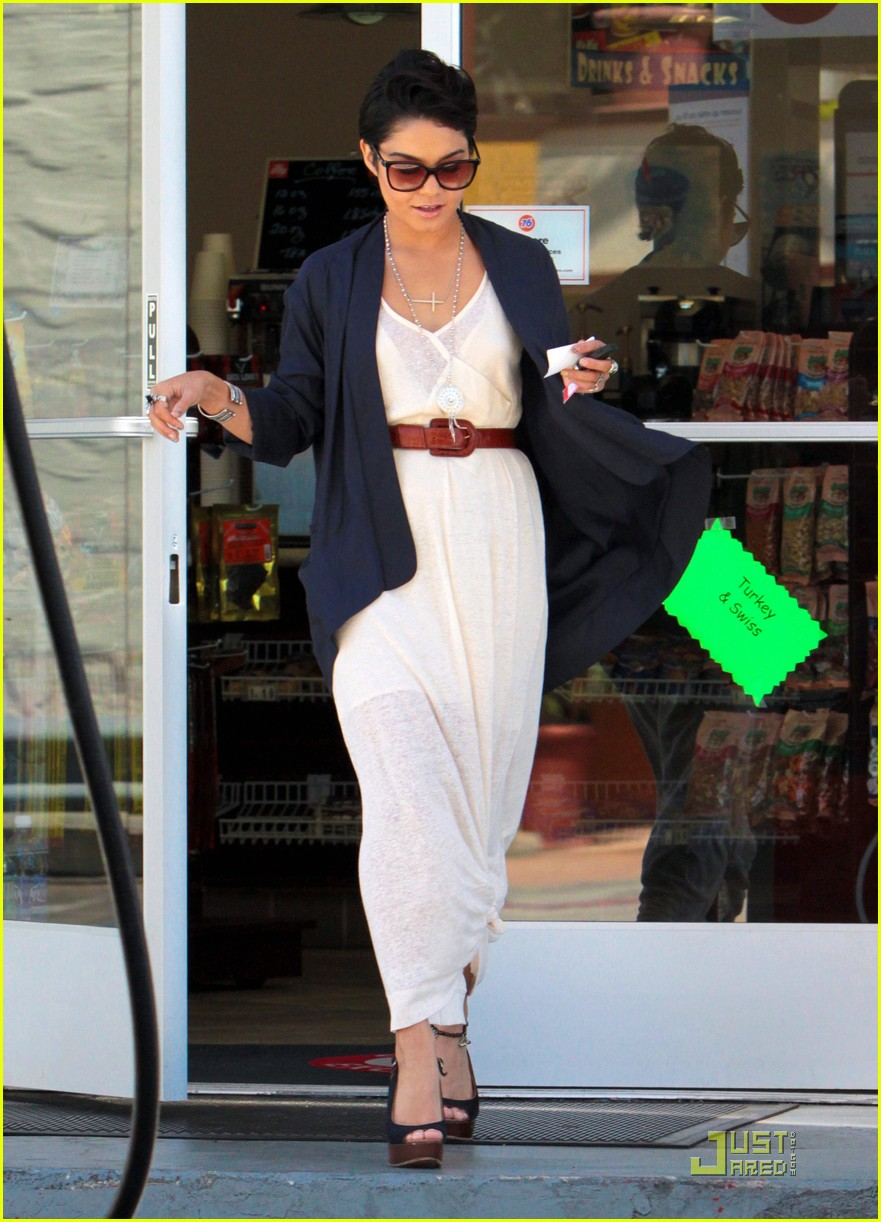 vanessa hudgens gas station 082564001