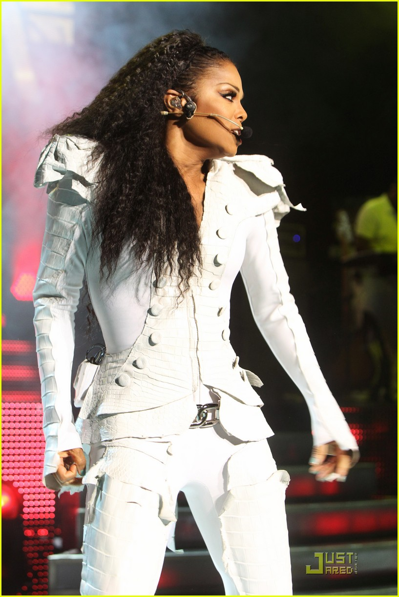 janet jackson up close and personal in london 03