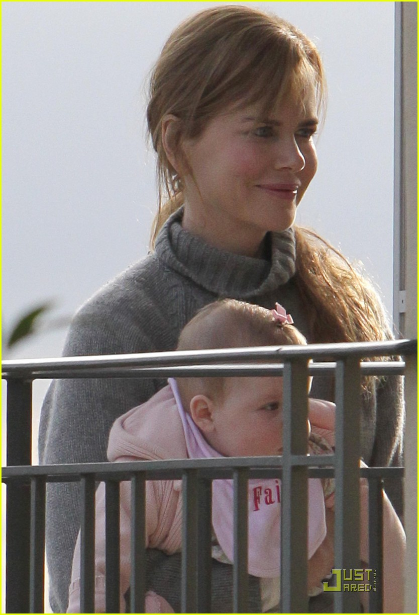 nicole kidman carrying faith 02