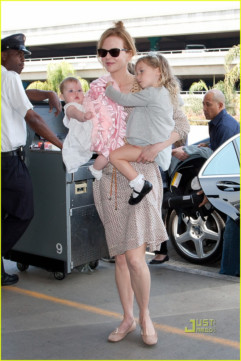 nicole kidman sunday faith lax airport 01