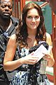 leighton meester penn badgley gossip girl set 08