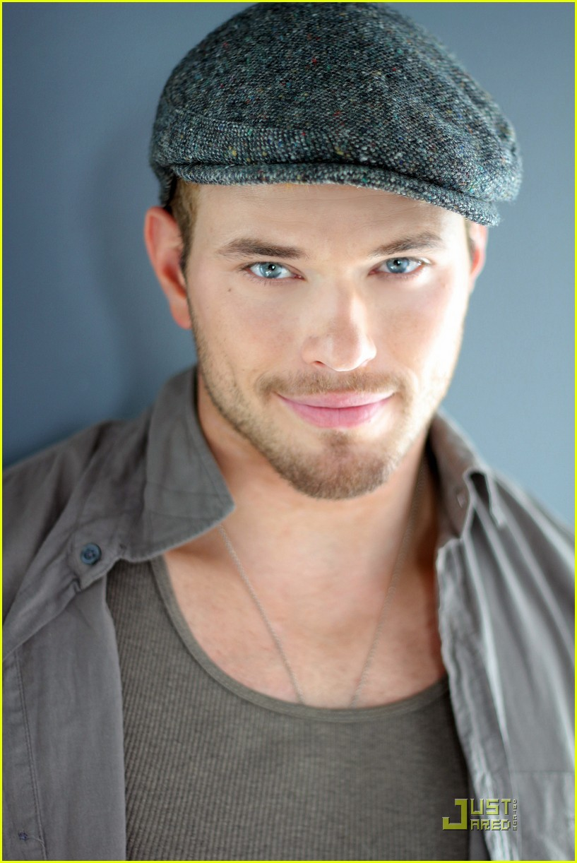 kellan lutz justjared exclusive interview 04