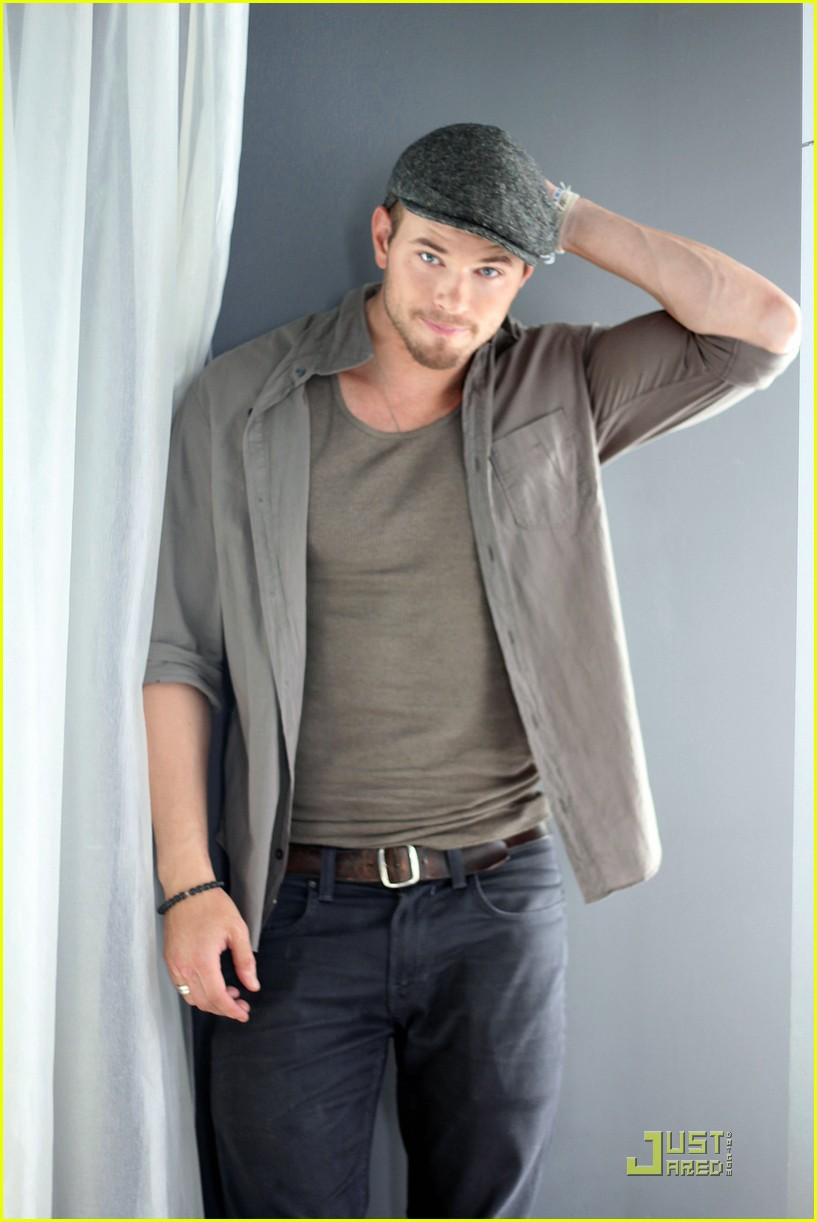 kellan lutz justjared exclusive interview 05