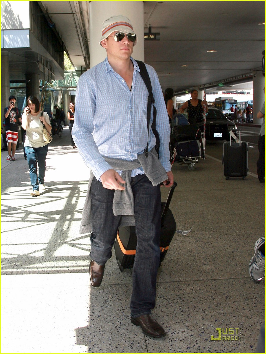 wentworth miller stoker finds a cast 062565405