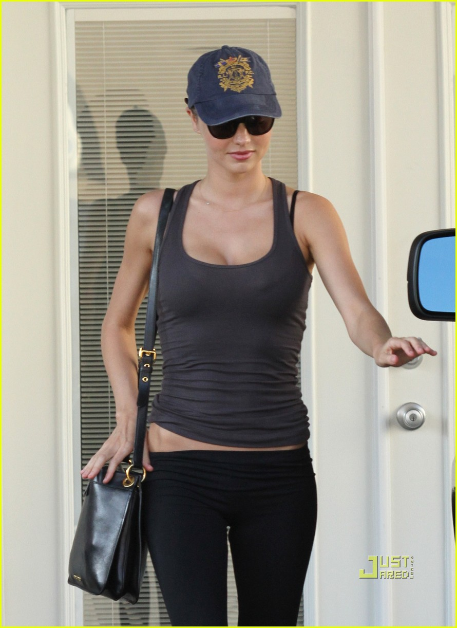 miranda kerr workout black spandex 022560912