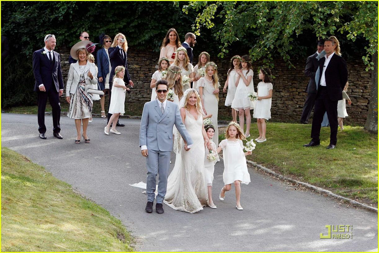 kate moss jamie hince wedding 062556909