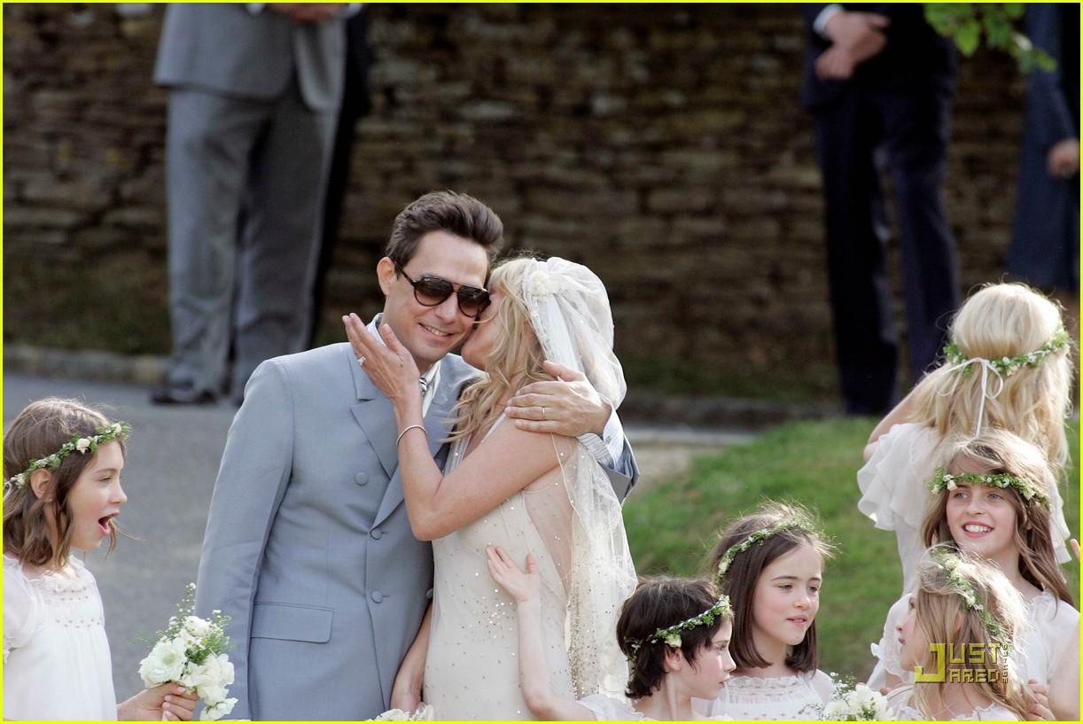 kate moss jamie hince wedding 072556910