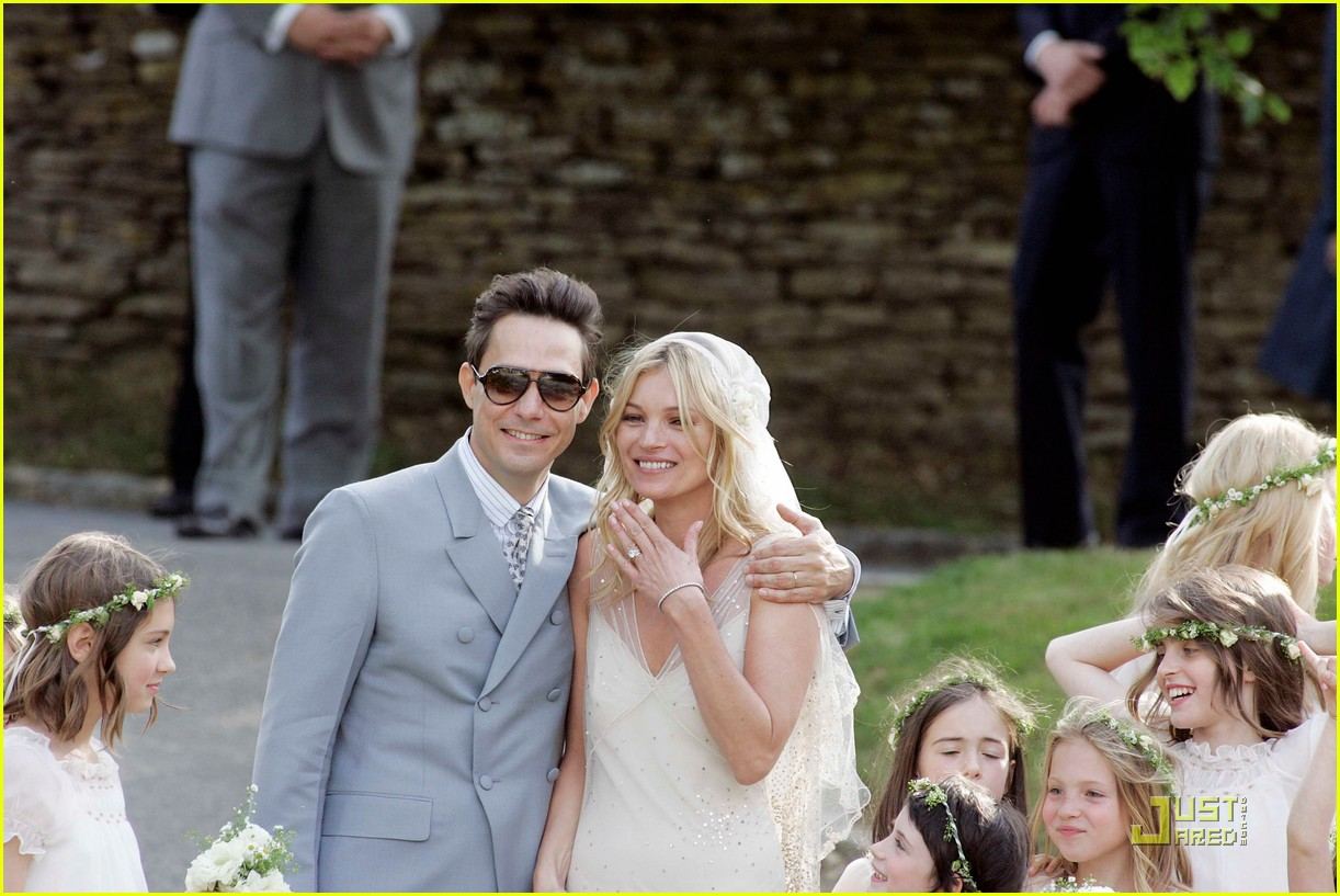 kate moss jamie hince wedding 092556912