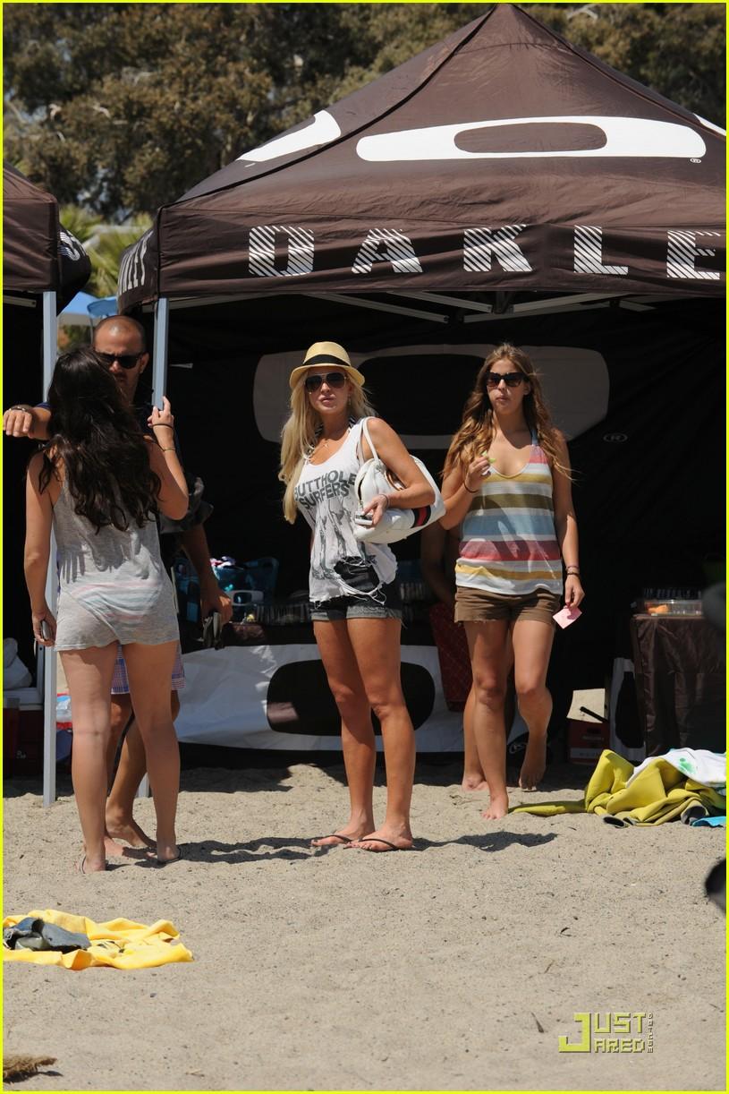 mark paul gosselaar shirtless at oakleys learn to ride 052563534