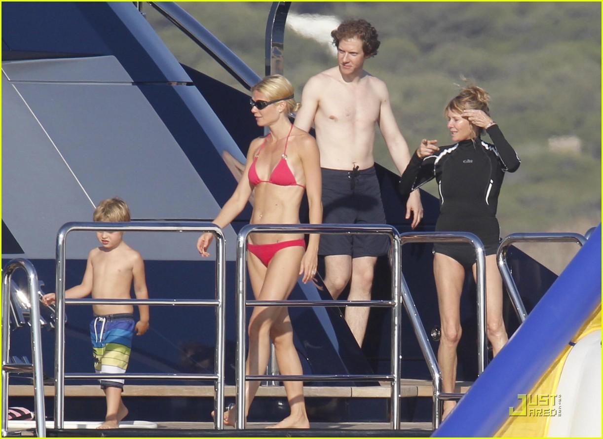 gwyneth paltrow bikini babe with apple moses 172559159