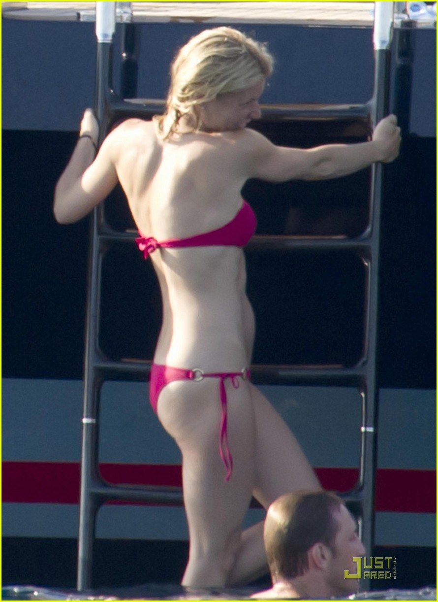 gwyneth paltrow bikini babe with apple moses 212559163