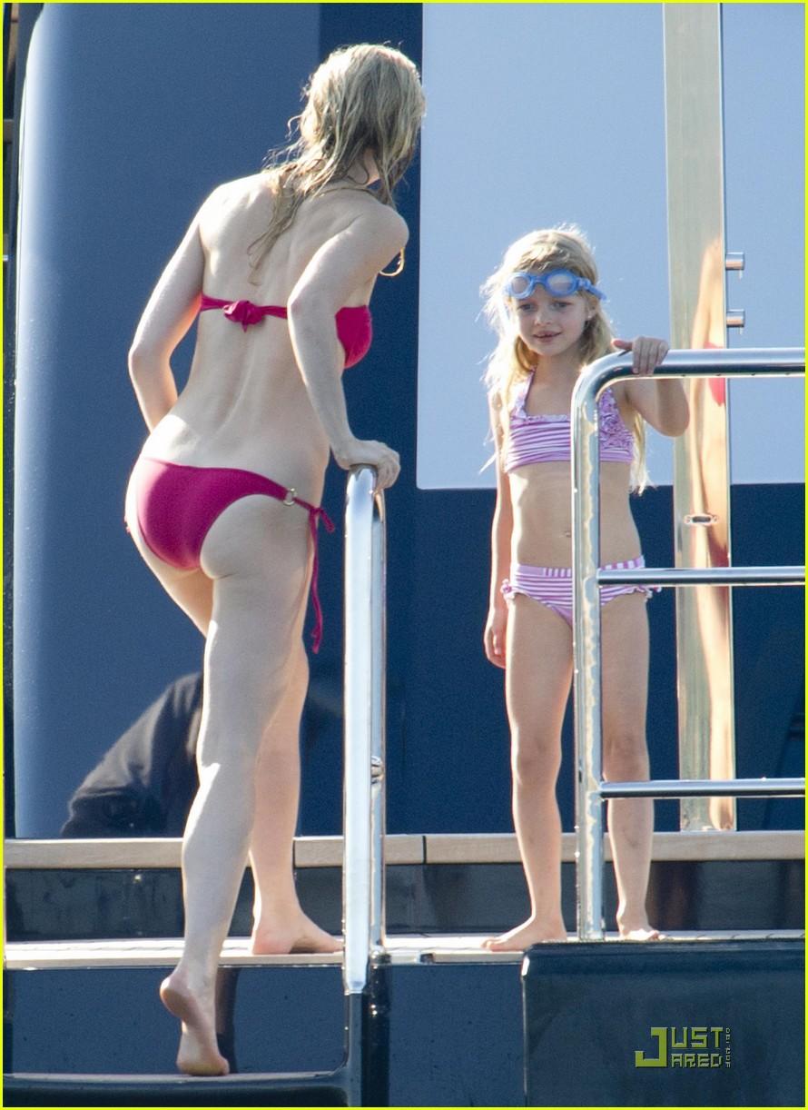 gwyneth paltrow bikini babe with apple moses 23