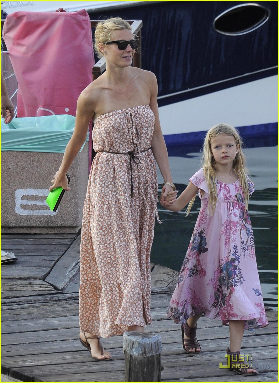 Gwyneth Paltrow Italian Getaway With Apple And Moses Apple Martin Celebrity Babies Chris