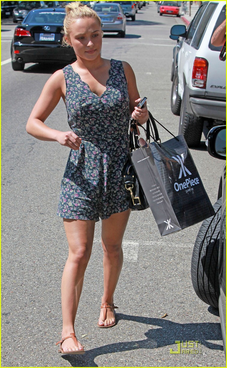hayden panettiere beverly hills onepiece stop 01