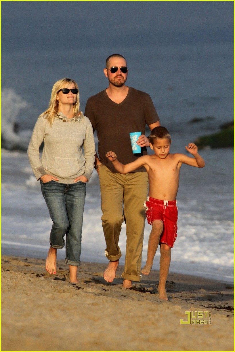 reese witherspoon jim toth deacon ava beach 042557771
