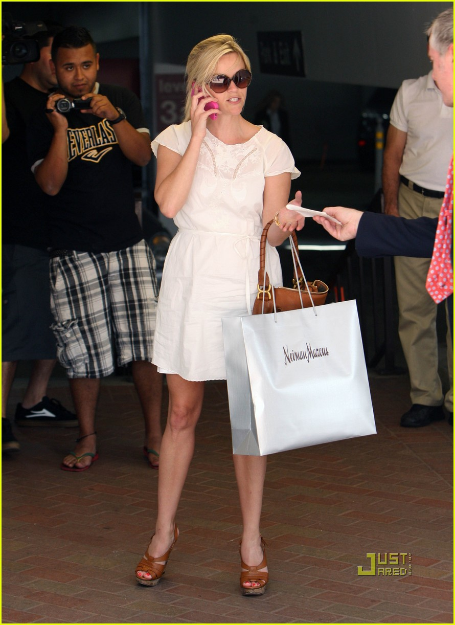 reese witherspoon neiman marcus shopping 042558713