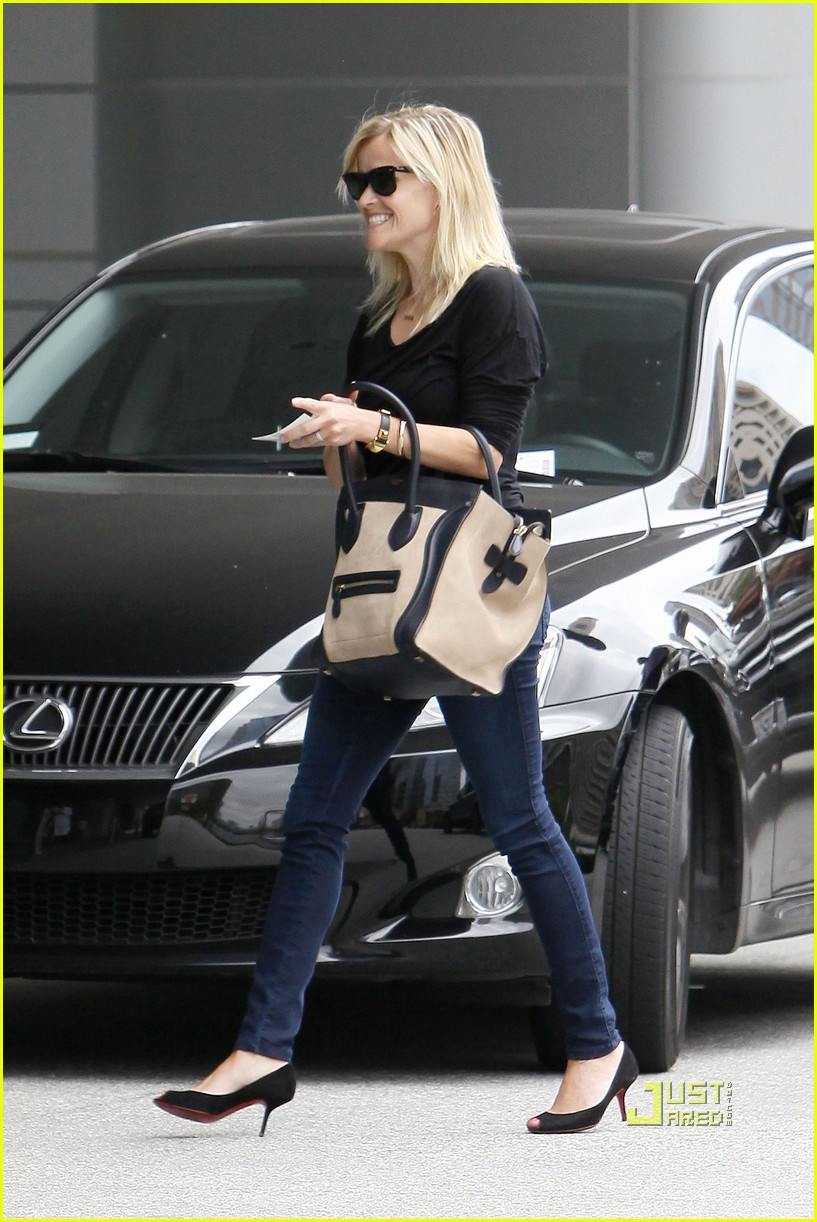 reese witherspoon jim toth visit 012560800