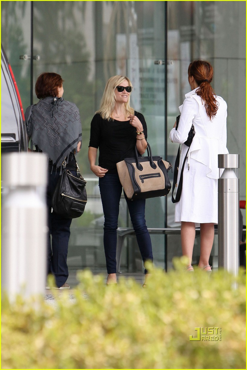 reese witherspoon jim toth visit 092560808