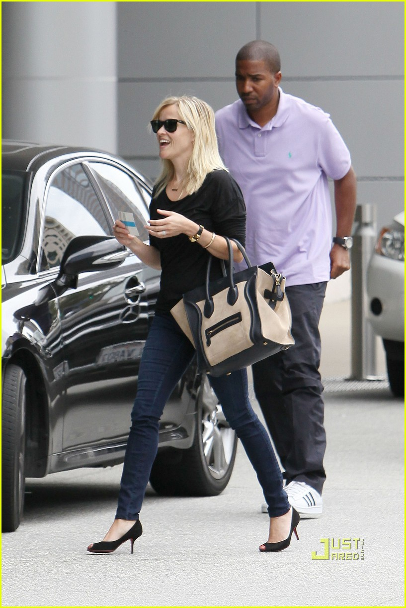 reese witherspoon jim toth visit 112560810