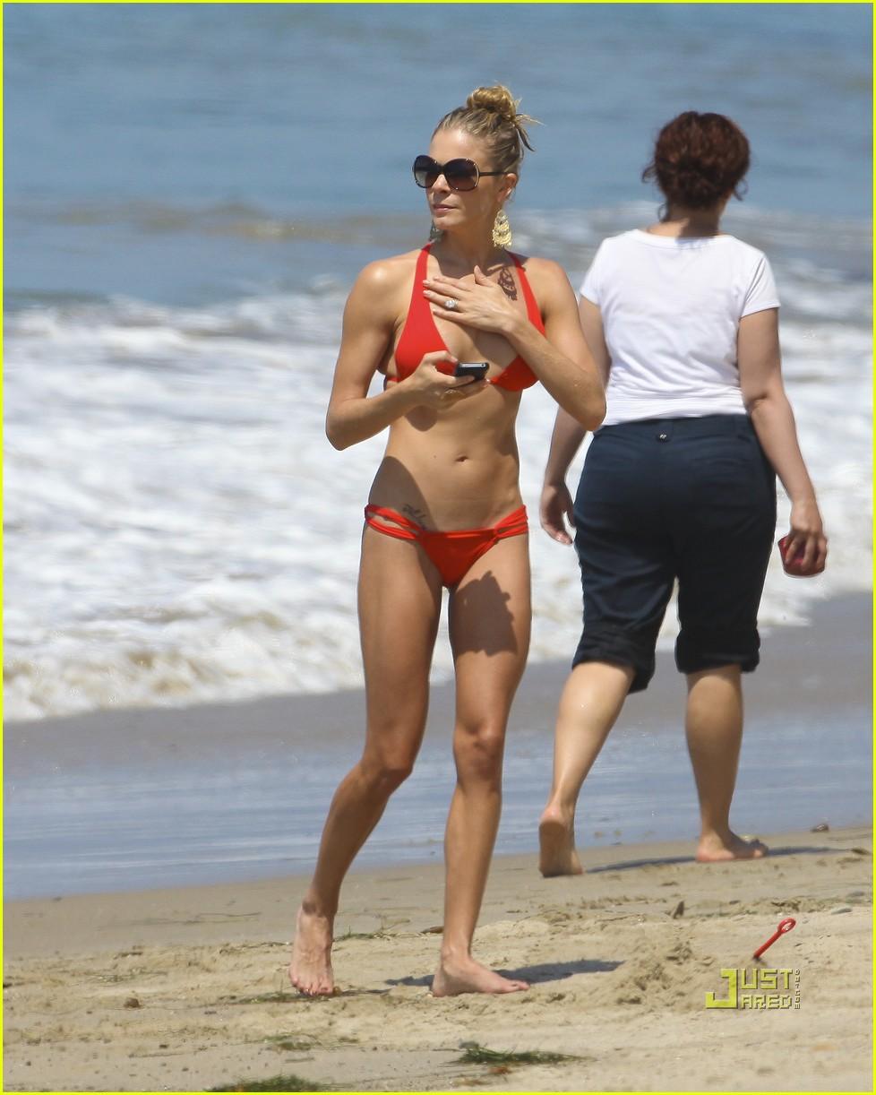 leann rimes bikini eddie cibrian shirtless malibu beach 112557874