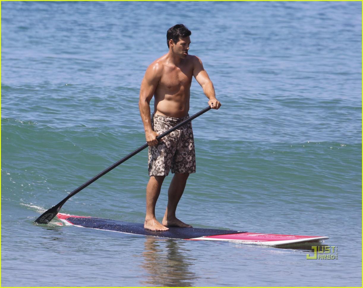 leann rimes bikini eddie cibrian shirtless malibu beach 22