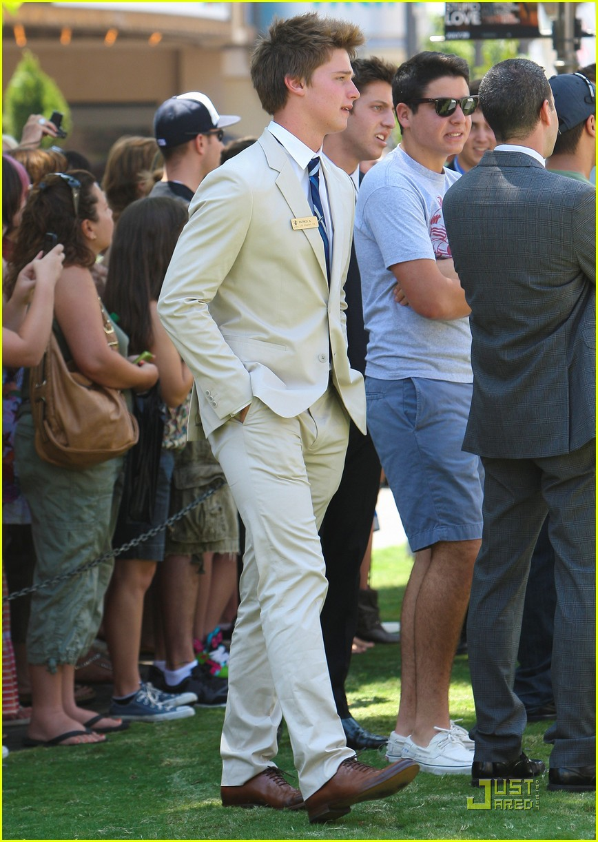 patrick schwarzenegger summer job at the grove 15