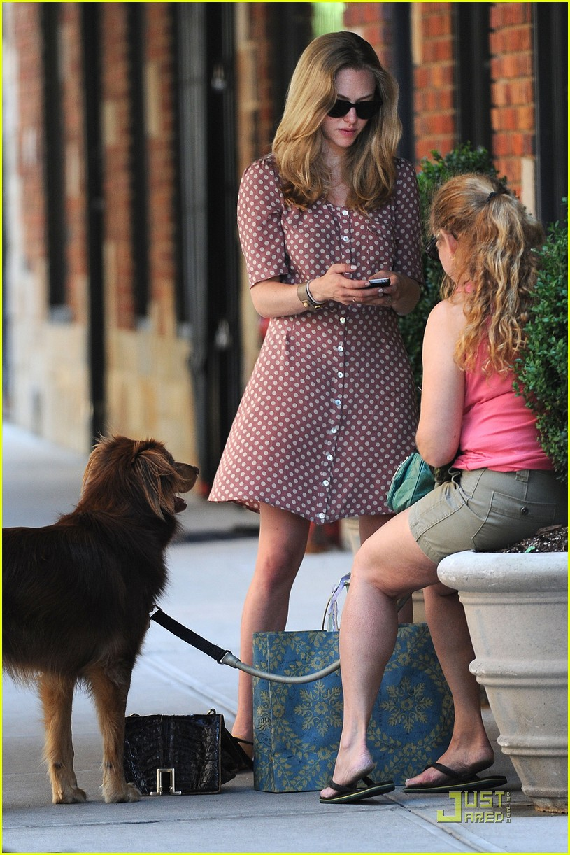amanda seyfried saturday finn 052565180