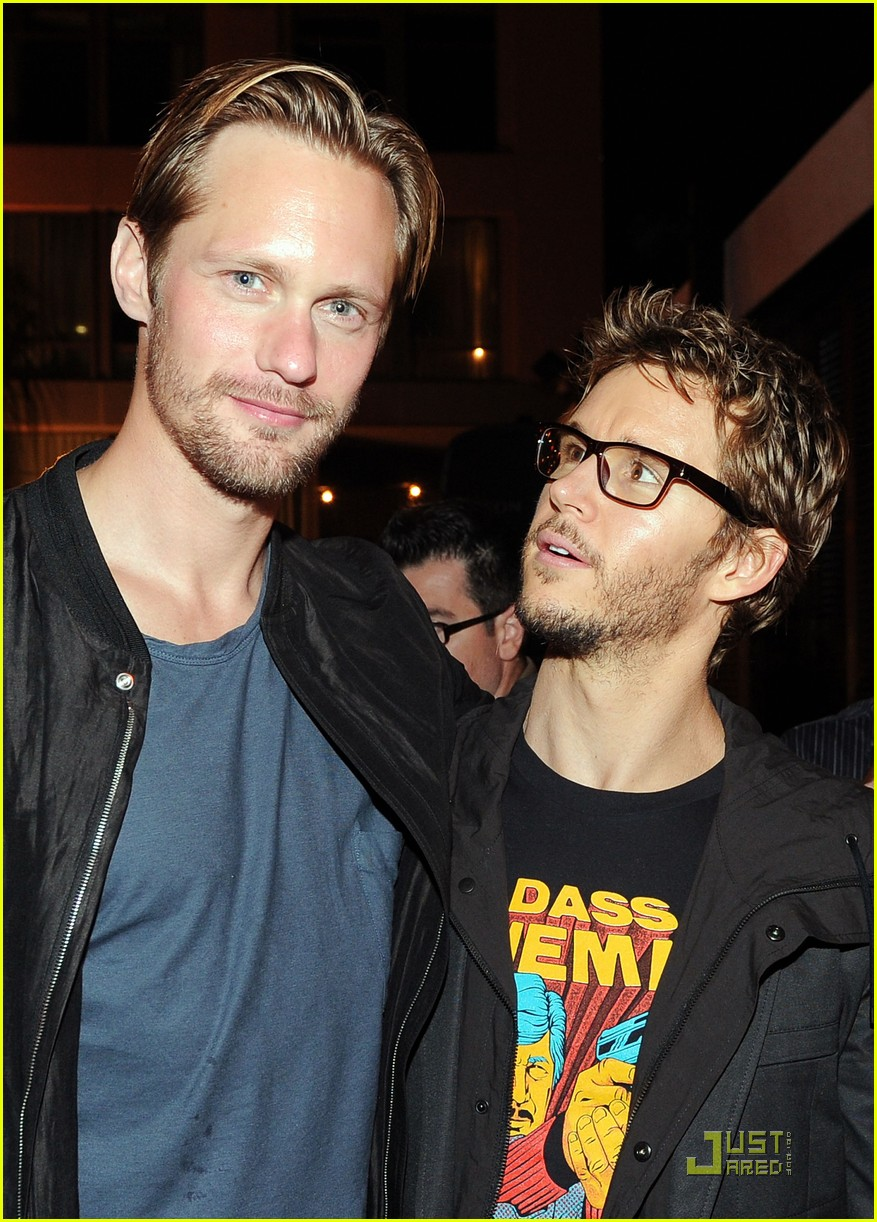 alexander skarsgard summit comic con party with ryan kwanten 092562835