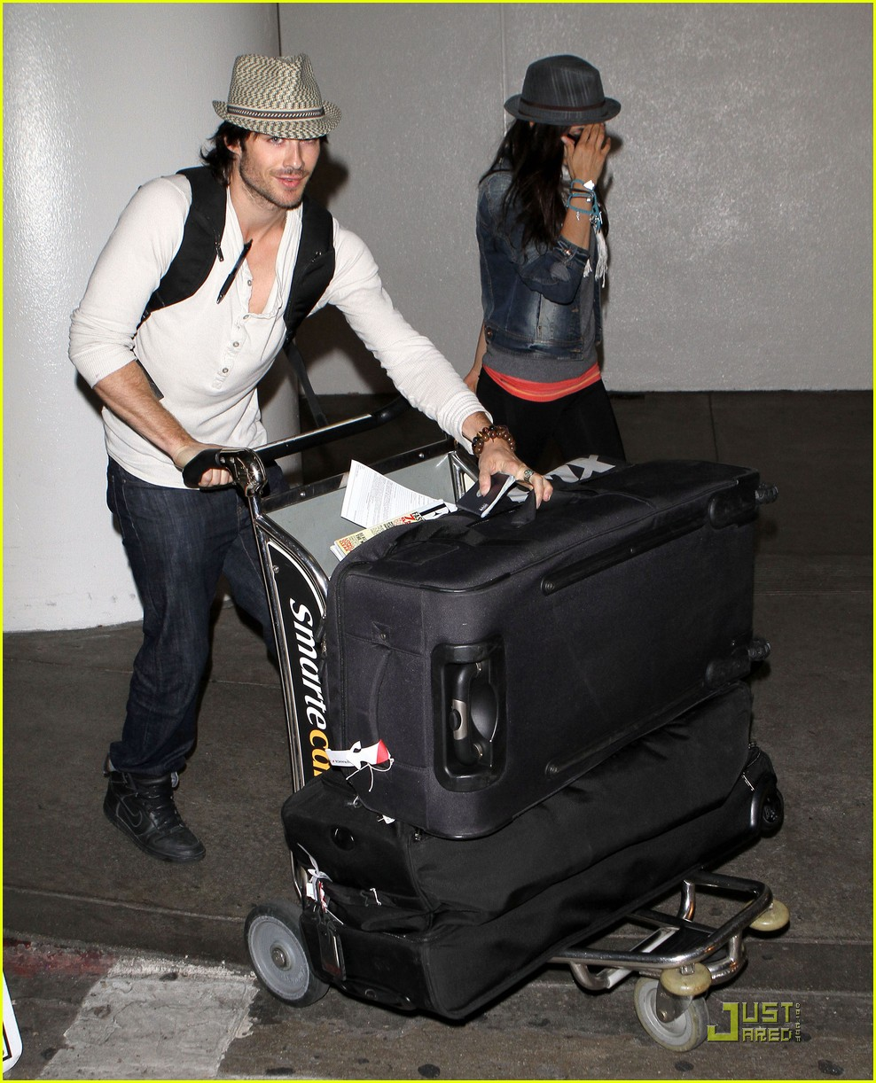 ian somerhalder lax landing with nina dobrev 05