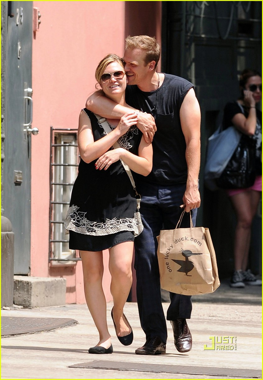Julia Stiles David Harbour Loved Up In Nyc Photo