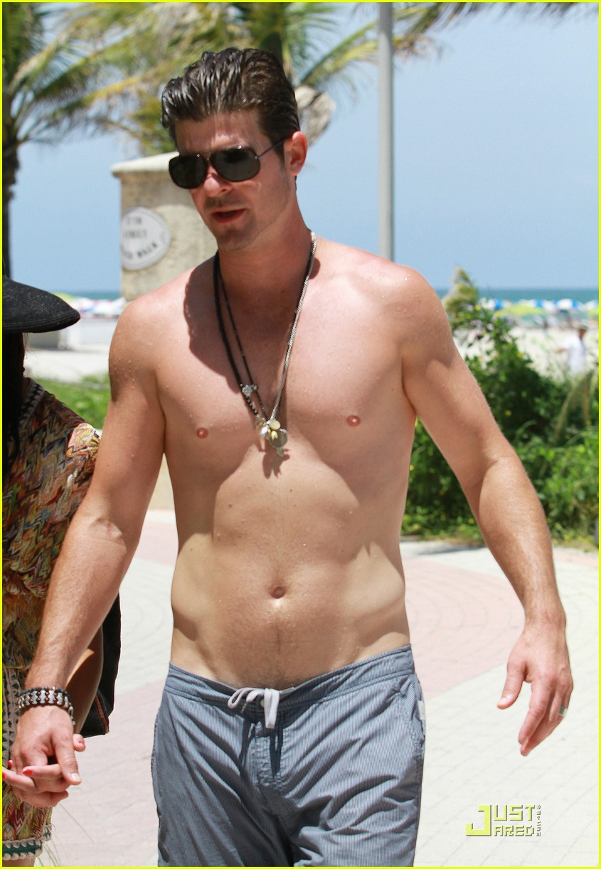 Robin Thicke Amp Paula Patton Miami Mates Photo 2559552