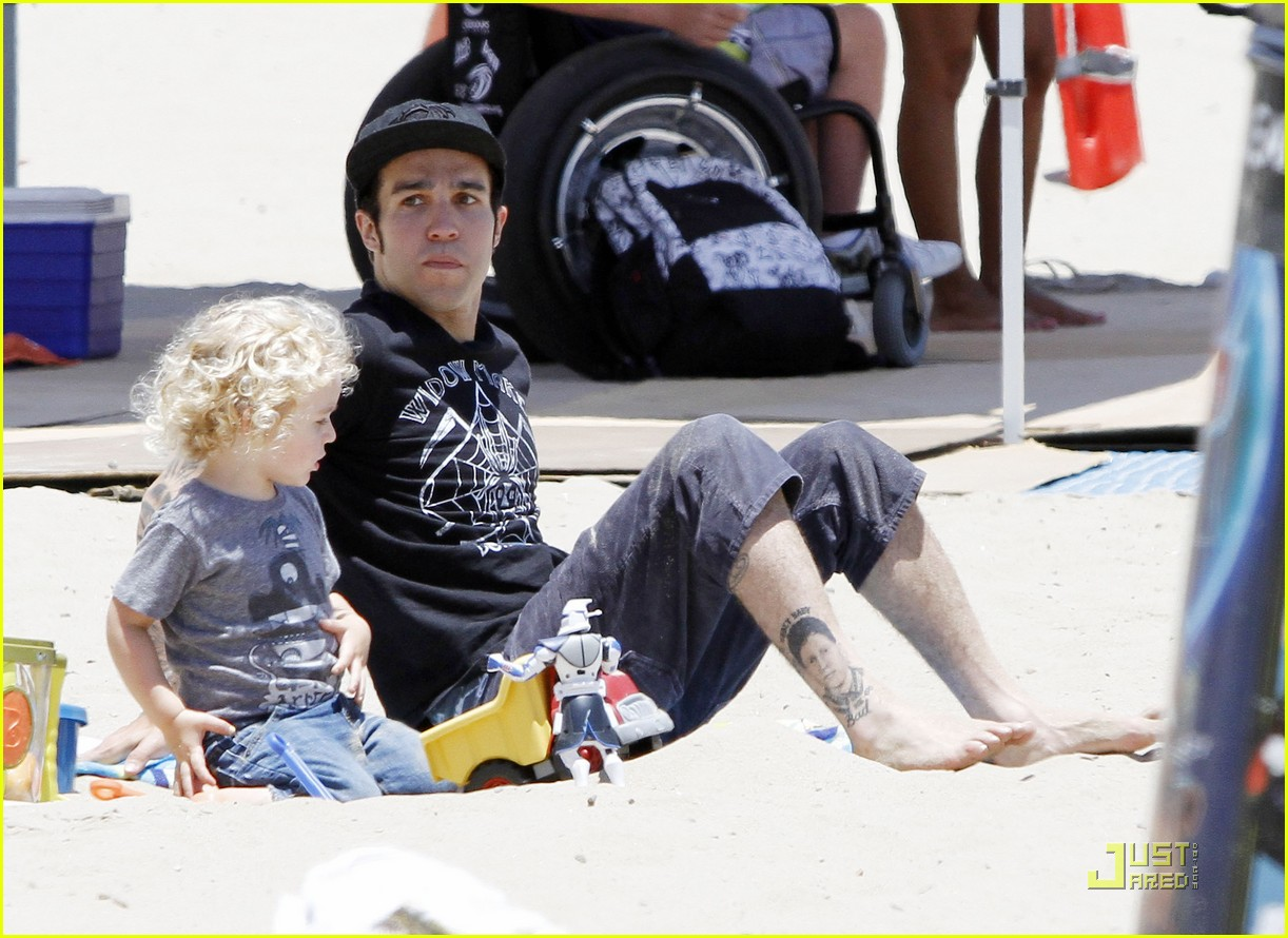 pete wentz shirtless at the beach with bronx 102557365