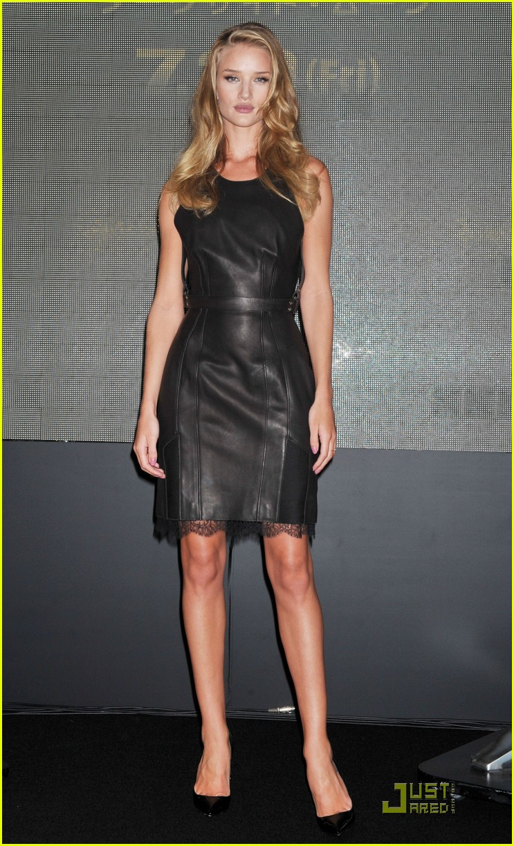 rosie huntington whiteley osaka press conference 012561183