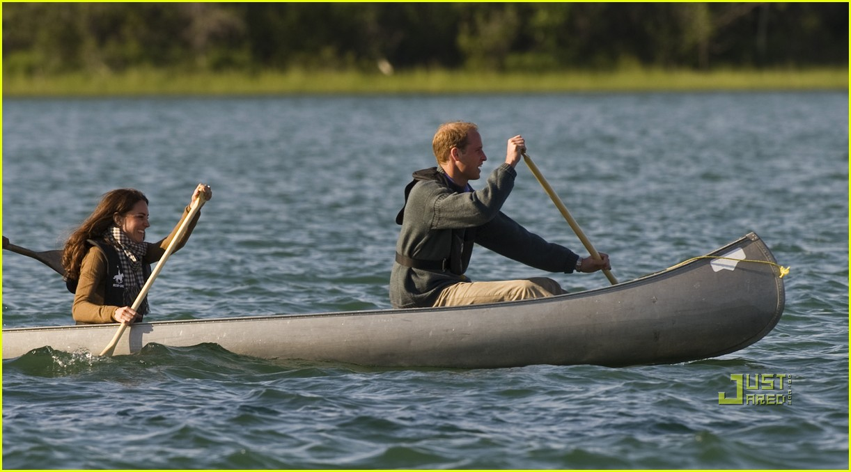 prince william kate middleton canoe 02