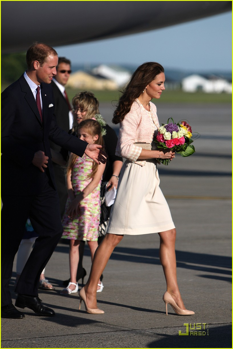 prince william kate prince edward island arrival 01