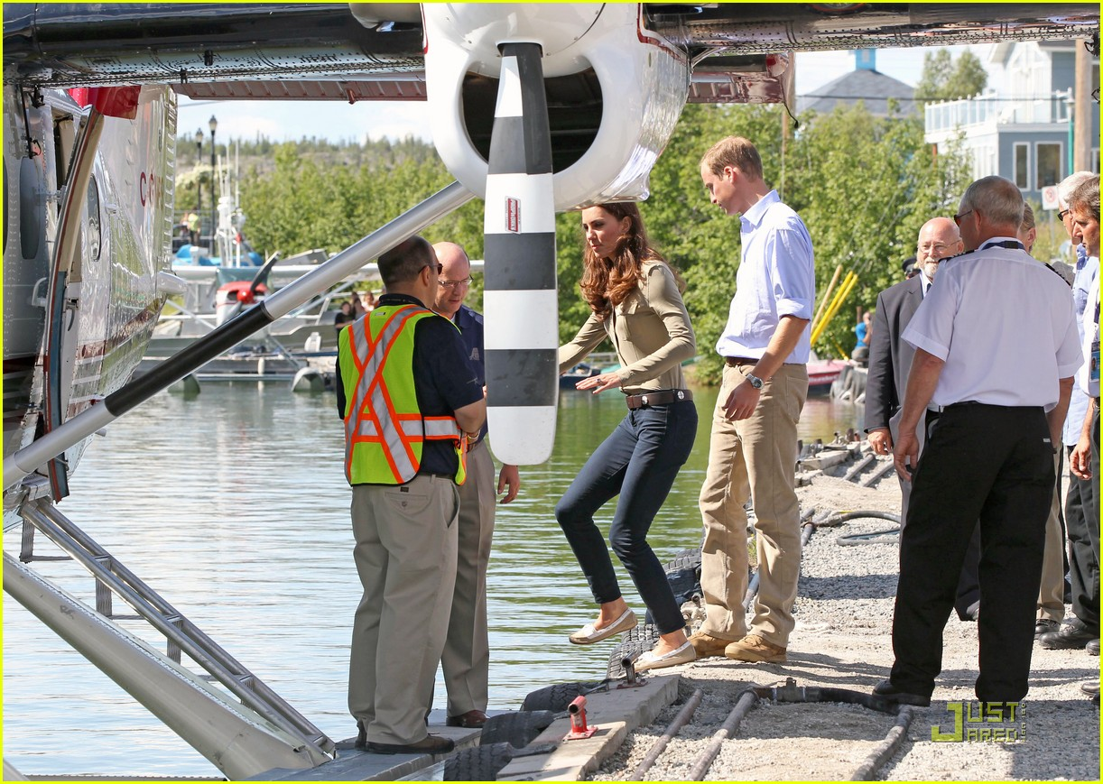 prince william kate middleton seaplane 092558049