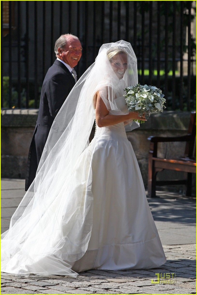 prince william kate zara phillips wedding 022565012