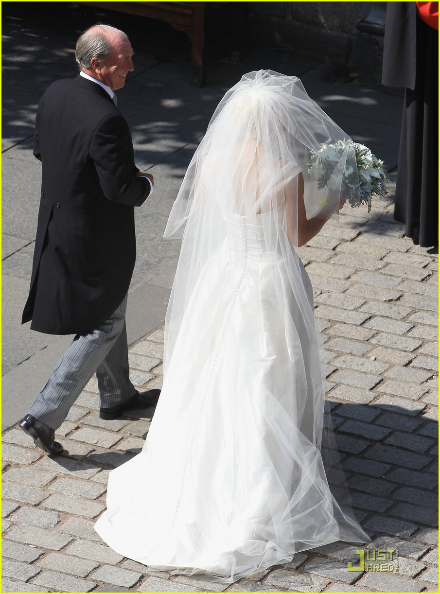 prince william kate zara phillips wedding 18 - Prince William Wedding Suit