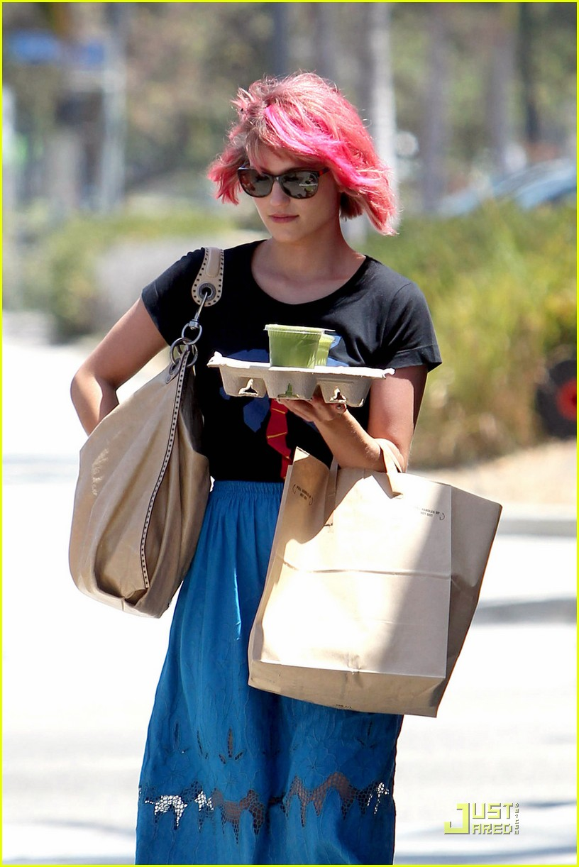 dianna agron back to pink hair 072571028