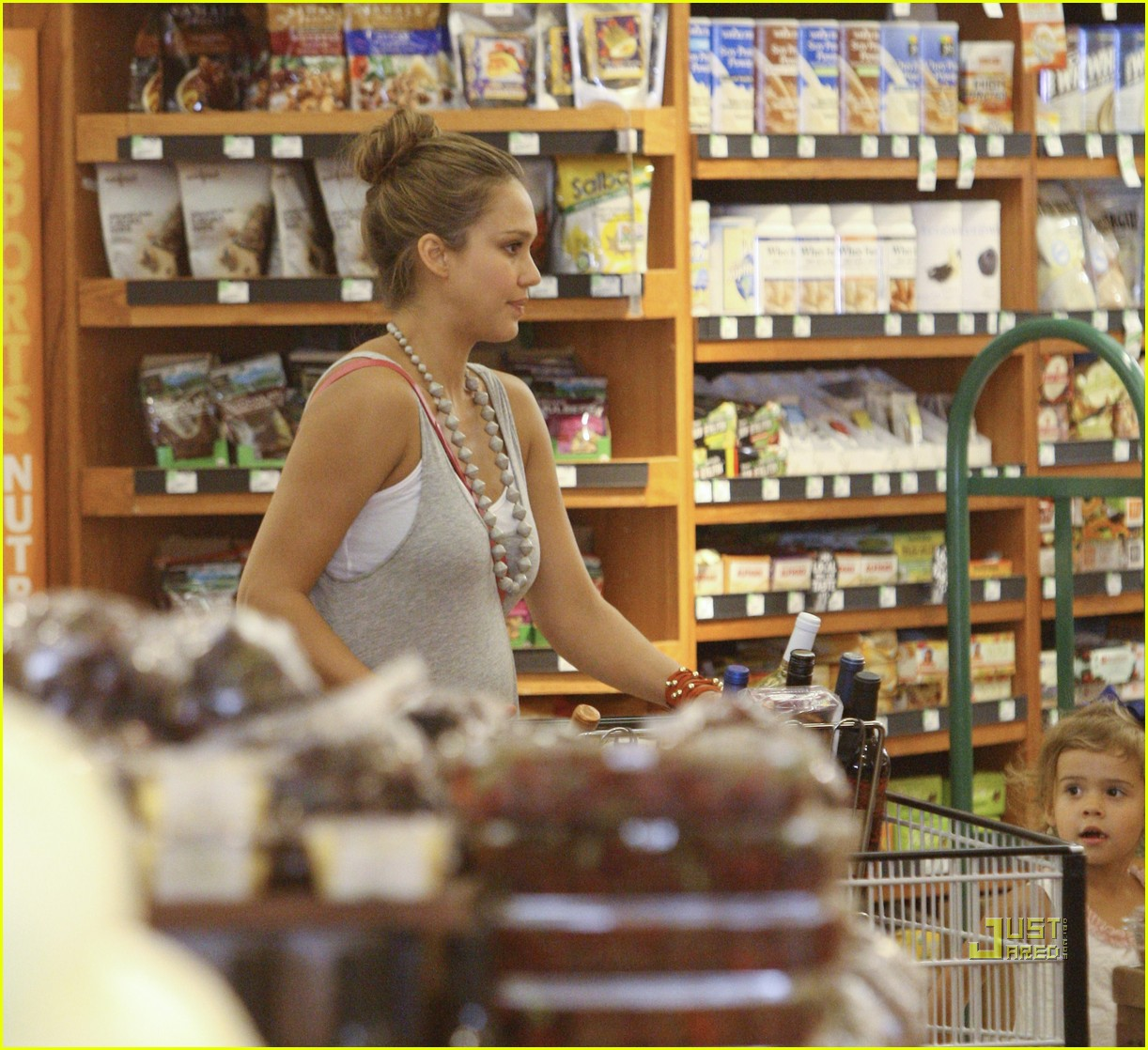 jessica alba honor whole foods 052566230