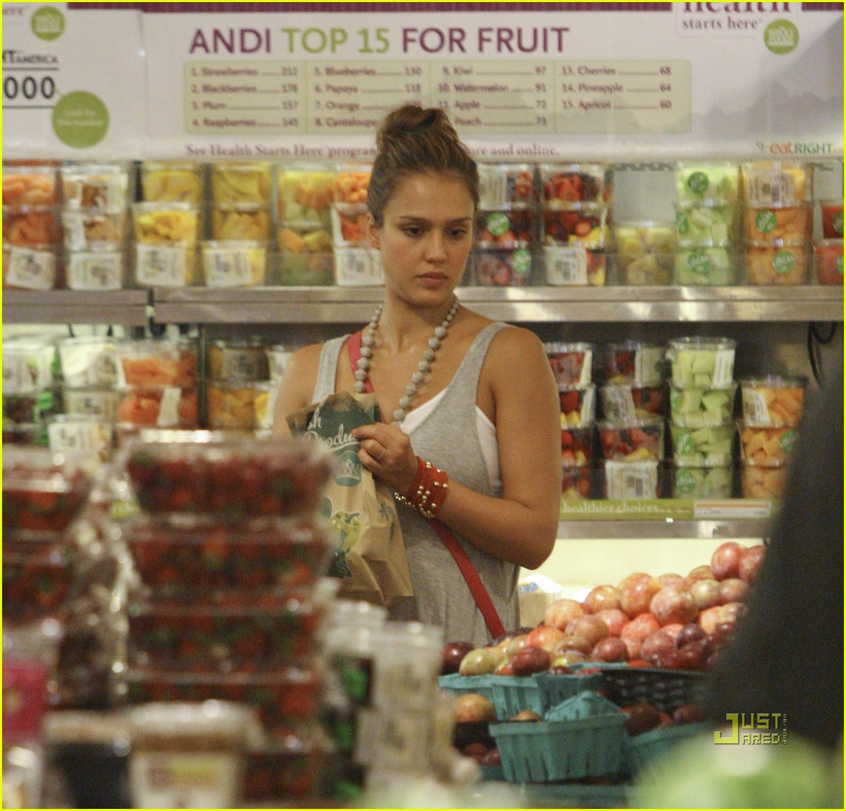 jessica alba honor whole foods 16