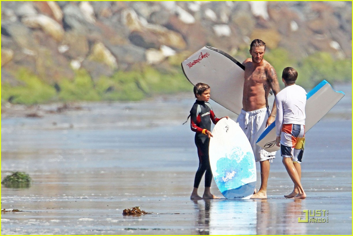david beckham shirtless beach 15