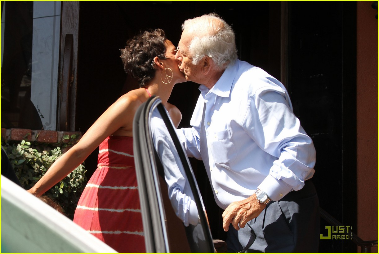 halle berry lunch olivier nahla 042569947