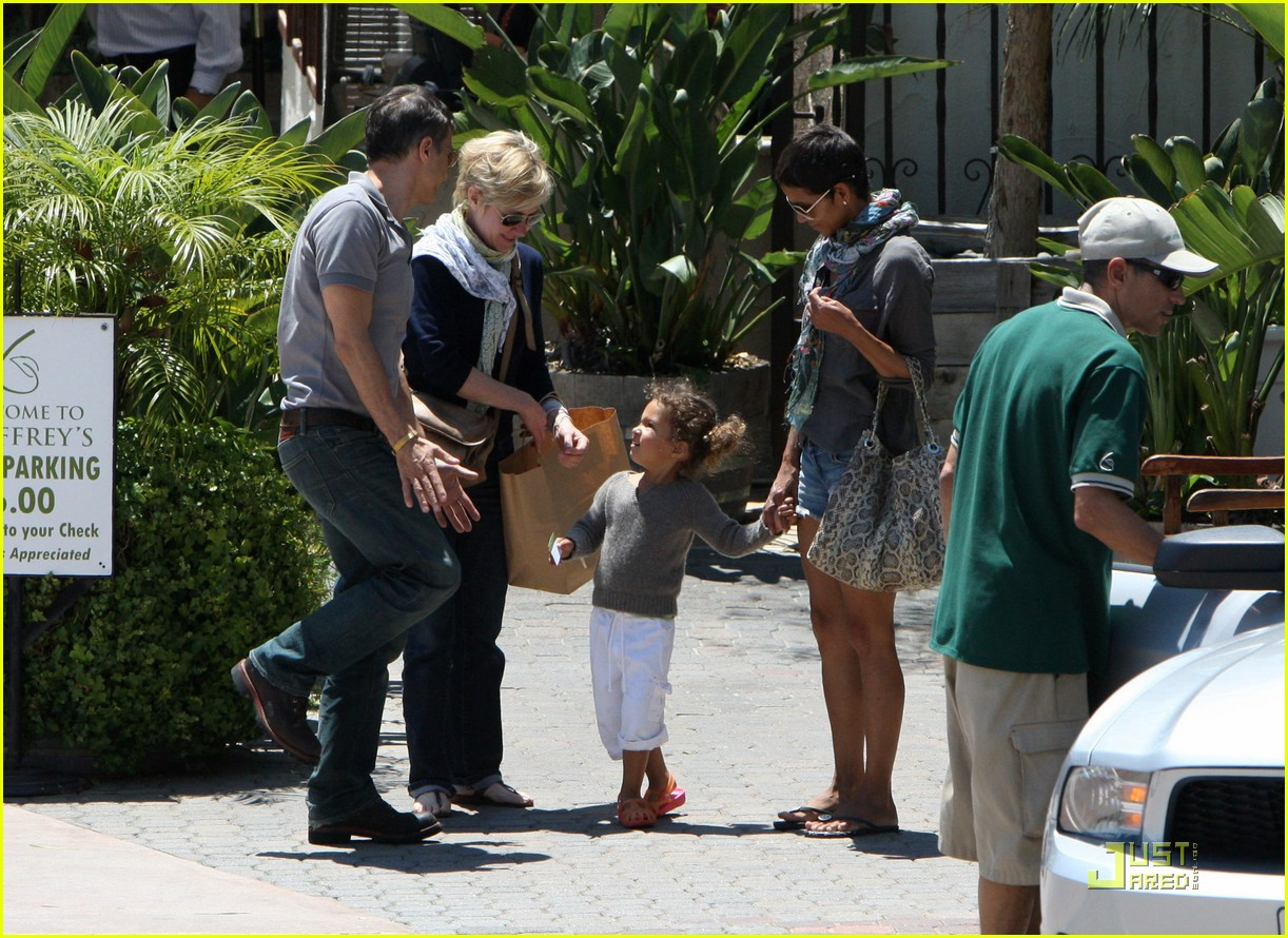 halle berry olivier martinez lunch with nahla 042565447