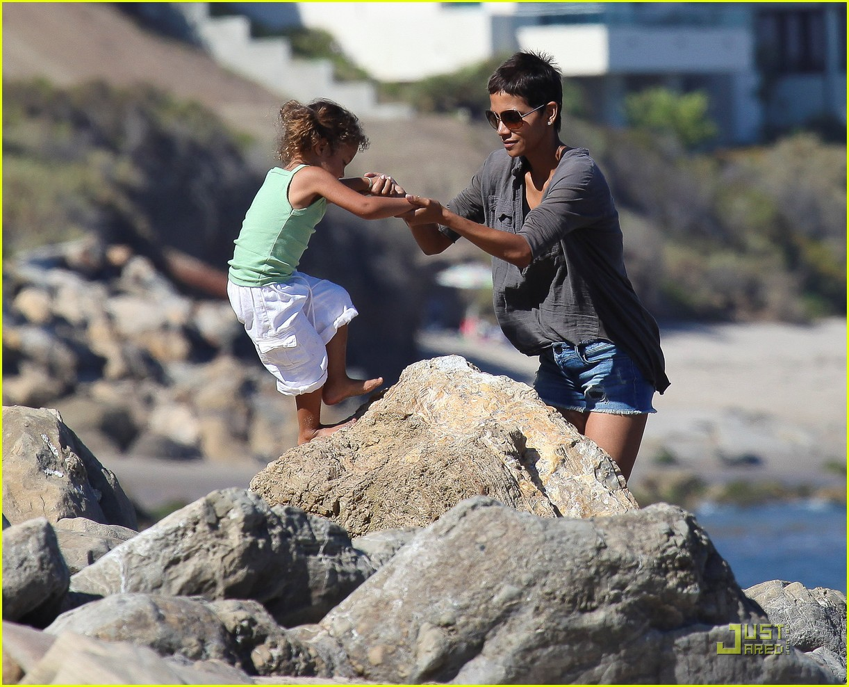 halle berry olivier martinez lunch with nahla 102565453