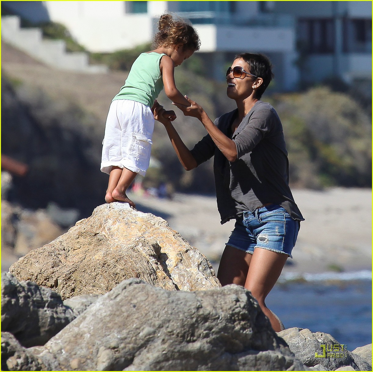 halle berry olivier martinez lunch with nahla 112565454
