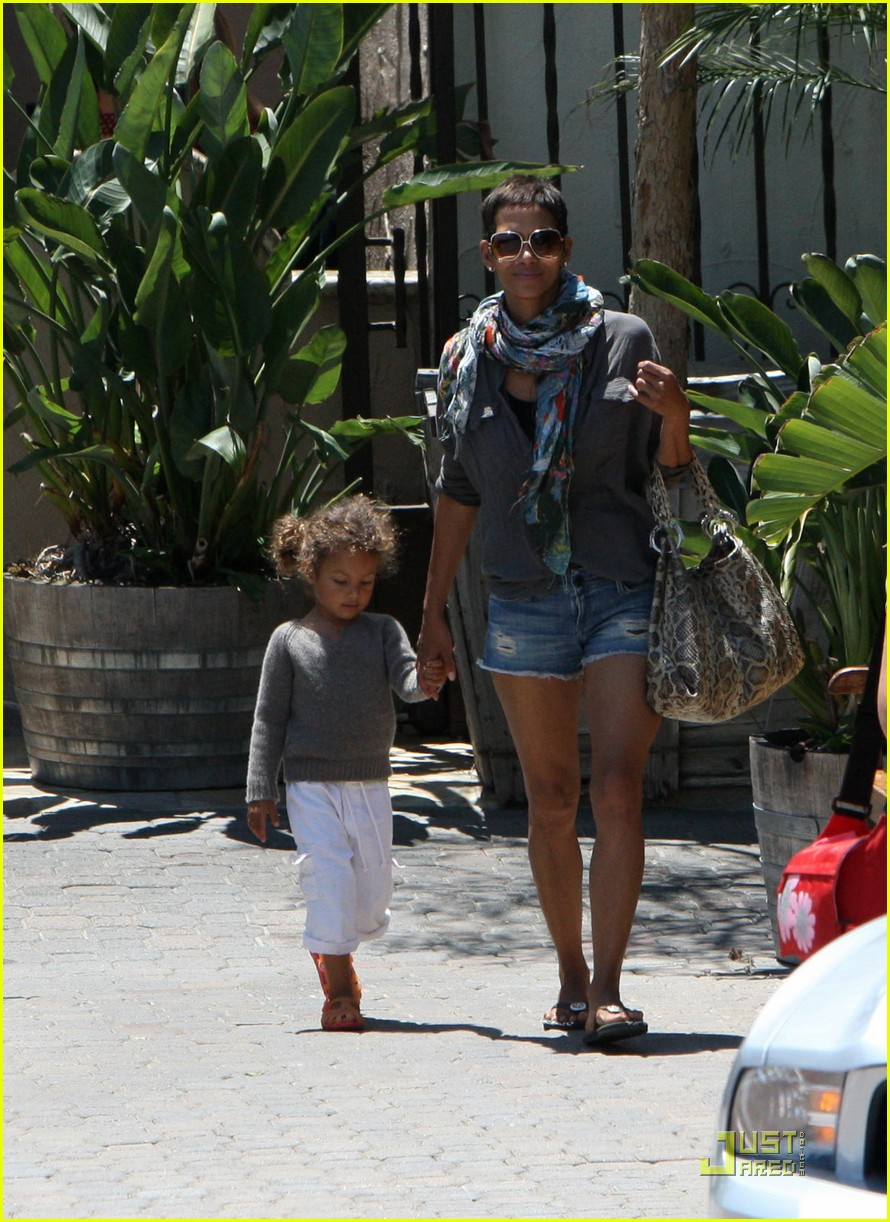halle berry olivier martinez lunch with nahla 132565456