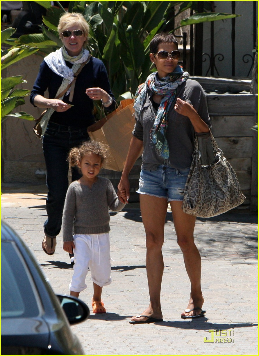 halle berry olivier martinez lunch with nahla 152565458