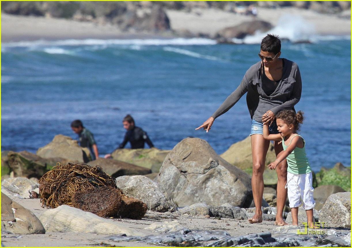 halle berry olivier martinez lunch with nahla 242565467